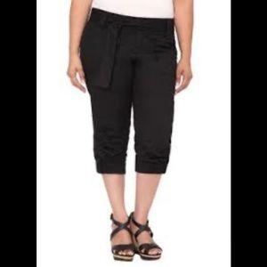 Torrid Black Capri Cotton Pants Size 18